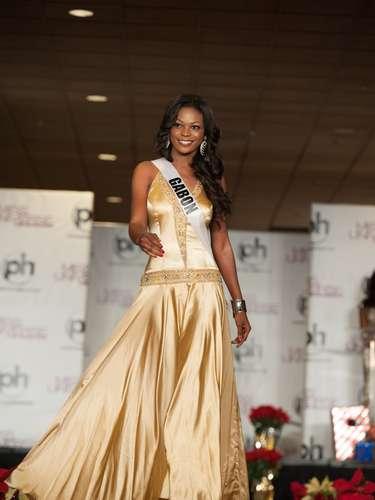 Miss Gabón - Marie-Noëlle Ada. Procedente de Ngounié nació en el año de 1990. Es modelo profesional. Mide 1.70 metros de estatura. Tiene cabello negro y ojos marrones.