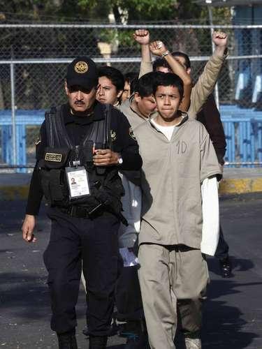 Claudia Trejo, una de las liberadas, manifestó que planean demandar a la Procuraduría capitalina y la Policía local por detenciones arbitrarias y violaciones a su derecho al debido proceso.