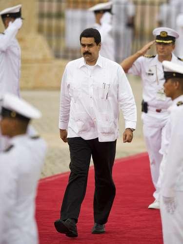 La última vez que Maduro había copado titulares en la prensa latinoamericano, antes de haber sido nombrado vicepresidente, fue por su intervención en la crisis política de Paraguay que terminó con la destitución del entonces presidente, Fernando Lugo.