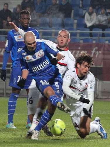 Troyes es penúltimo general, no ha logrado salir de puestos de descenso tras empatar 1-1 contra Niza.
