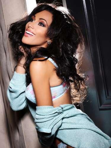 Miss Jamaica - Chantal Zaky. Nació en Nueva York, Estados Unidos. Es estudiante de medios. Mide 1.77 metros de estura. Su cabello es castaño rojizo y sus ojos color café