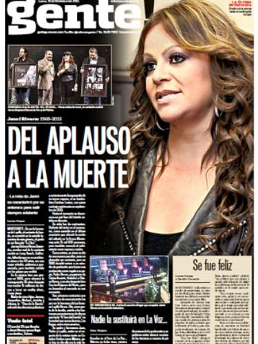 Mexico's most renown newspaper, Reforma, dedicated the front page of its Gente! section to Jenni.  La Diva's final performance was in Monterrey, where Reforma's headquarters are located.