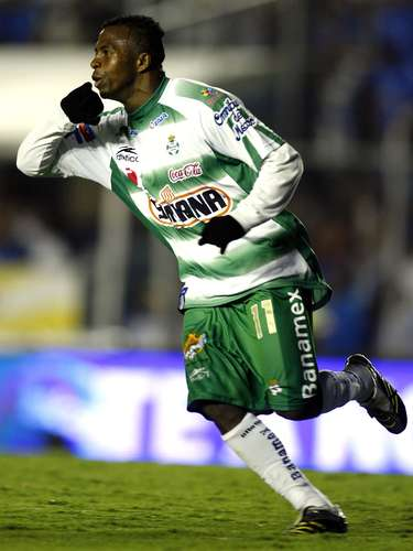 Christian benitez was fundamental in the away leg of the Clausura 2008 for Santos to defeat Cruz Azul 2-1 with an assist and the second goal. Santos won after drawing 1-1 in the second leg.