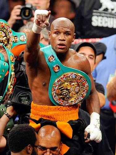 Floyd Mayweather Jr.; País: U.S.A.; Récord: 43-0-0 (26 KOs); Títulos: CMB welterweight, AMB jr. middleweight