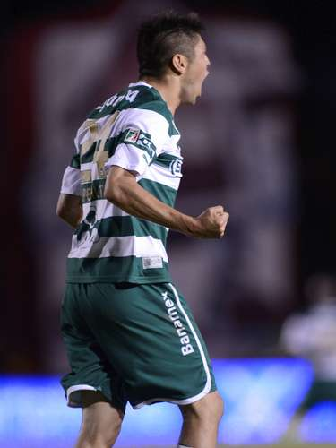 Oribe Peralta scores two of the three goals as Santos defeated Monterrey 3-2 in the Clausura 2012 final to become the star for the Guerreros.