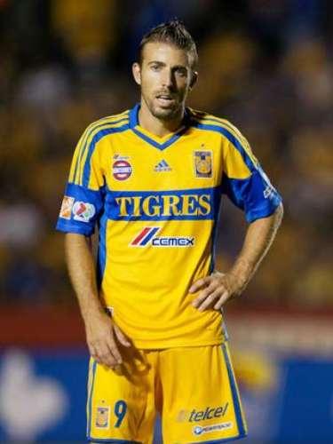 En la fecha 11, el español Luis García no supo definir ante Luis Michel al no lograr controlar el balón y adelantar la pelota en un contragolpe al minuto tres, en una falla que pudo cambiar el rumbo del partido y que Tigres perdió 2-1 ante Guadalajara.