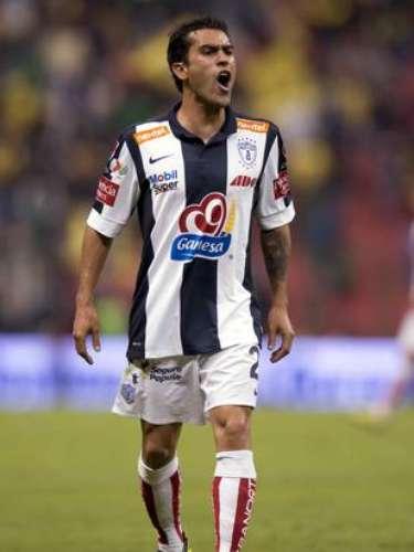 Nery Castillo tuvo el empate ante América en sus pies, en una jugada en la que Raúl Tamudo lo dejó solo dentro del área, pero el balón le quedó a la derecha y metió un potente disparo que se fue por encima. Al final Pachuca fue goleado 4-0 en partido de la jornada 16.