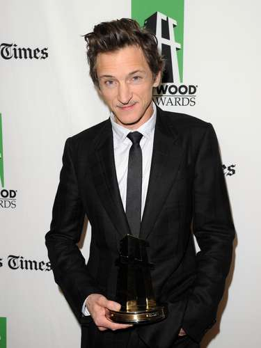 Por The Sessions, John Hawkes obtuvo una nominación a los Golden Globes 2012.