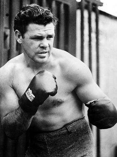 Mickey Walker; Récord: 94-19-4; Periódicos que lo vieron ganar: 37-7-1; Años en activo: 1919-1935; Títulos: World Welterweight, World Middleweight