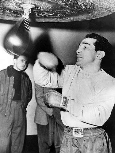 Willie Pep (Guiglermo Papaleo); Récord: 229-11-1, 65 KO; Años en activo: 1940-1966; Títulos: World Featherweight
