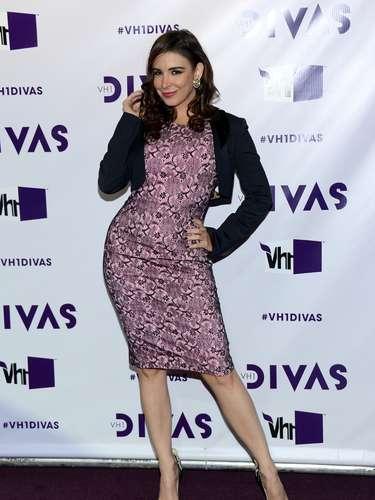 Mayra Verónica llamó la atención, realizando poses sugerentes para las cámaras.