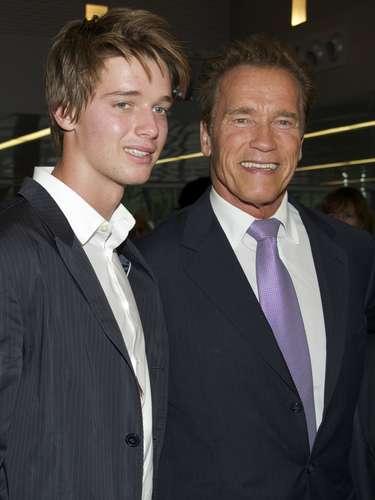 El hijo de Arnold Schwarzenegger, Patrick de 17 años, trabajó con Goergia May Jagger para la firma de jeans Hudson.