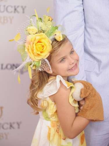 La hija de Anna Nicole Smith, Danielynn, realizó una campaña para Guess en homenaje a su madre quien posó para la firma a los 20 años.