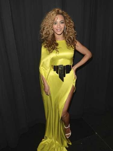 Beyoncé entrena regularmente con Marco Borges, se ejercita con la rutina Power Moves que él diseñó. Debido a su apretada agenda, ella entrena en intervalos para ahorrar un poco de tiempo.
