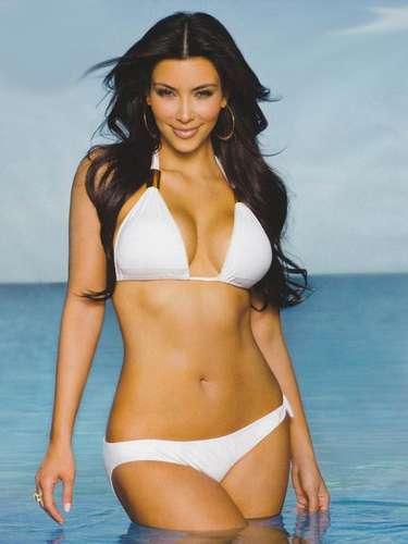 Los cuerpos curvilíneos destacan en la farándula robando miradas cada que aparecen en la TV, en las revistas o simplemente cada que se exhiben en las redes sociales. Kim Kardashian es una de las celebridades más populares que pueden presumir de tener una figura con curvas.