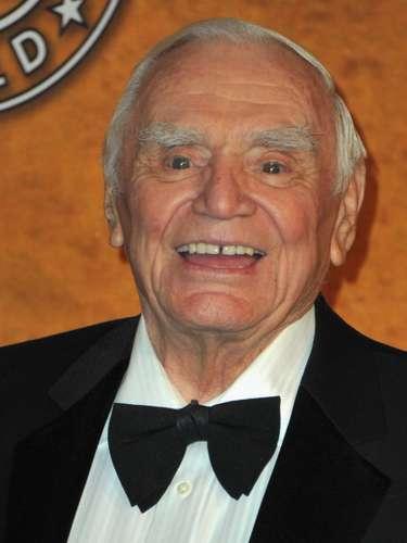 ERNEST BORGNINE  El primer actor tuvo una longeva vida. Y fue a los 95 años cuando pasó a mejor vida tras una falla renal.