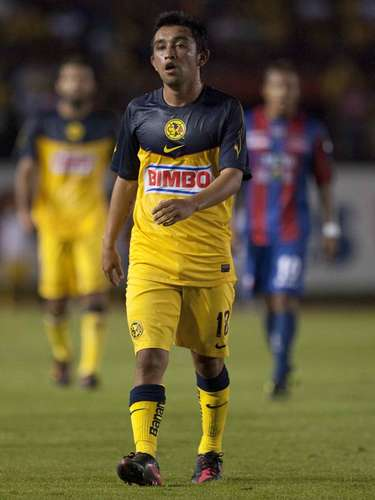 Christian Bermúdez llegó al América con gran presión luego de ser figura en el Atlante, y tendría que demostrar que no le quedaría grande la camiseta de las Águilas, pero por el momento está perdiendo la batalla.