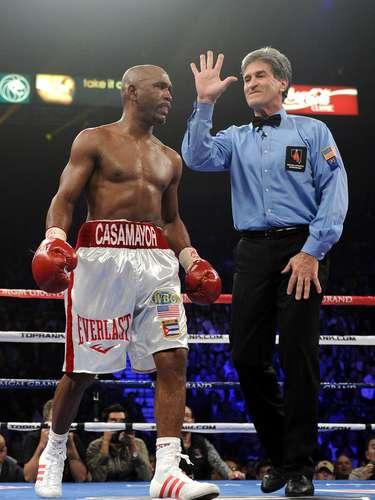 El cubano Joel Casamayor, dio positivo por marihuana luego de su pelea ante Timothy Bradley en 2011. Casamayor fue suspendido y multado con 10 mil dólares.
