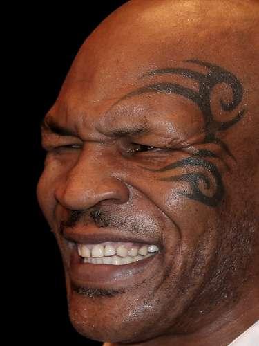 Mike Tyson es otro de los involucrados por sustancias prohibidas, al encontrársele en su cuerpo marihuana en el examen antidoping tras la pelea que ganó a Adrew Golota, en el 2000.