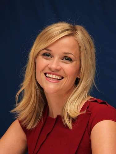 Reese Witherspoon de 36 años dio a luz el 1 de octubre al pequeño Tennesse James Roth en Los Ángeles fruto de su relación con James Roth. Es el tercer hijo para la intérprete, aunque el primero que la pareja mantiene en común.