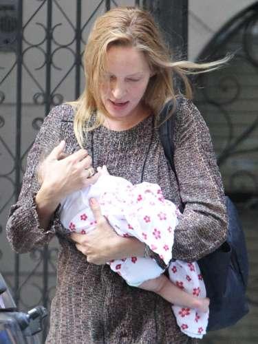 Uma Thurman y el multimillonario Arpad Busson se convertían en mayo en padres de una niña, la primera en común de la pareja. La actriz de 42 años y el empresario de 49 se conocieron en 2007, desde entonces y a pesar de haber atravesado una dura crisis la pareja haconstruido una feliz familia
