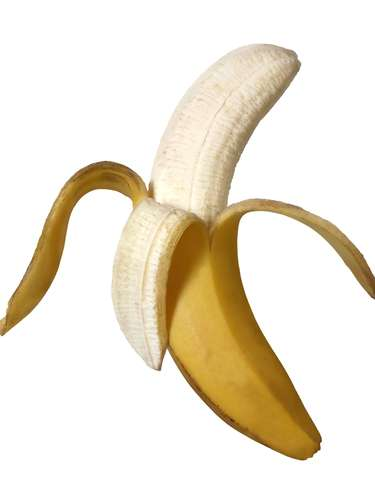 Para aperitivo en viajes, prefiere una banana a una rosquilla con crema, ya que reducirás 15g en el consumo de grasa.