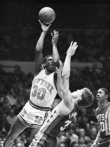 9. New Jersey Nets vs. New York Knicks, 1984: In the greatest Christmas Day performance in NBA history, Bernard King (pictured) lit up the Nets for 60 points. But alas, it wasn't enough, as the Knicks fell 120-114.