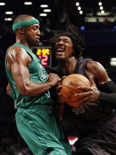 El gran problema en el juego de los Nets estuvo en el pobre control que tuvieron del balón al perderlo 20 veces por 11 de los Celtics (14-13), que tienen marca de 5-5 en los últimos 10 partidos disputados y comparten con los Nets el segundo lugar de la División Atlántico.