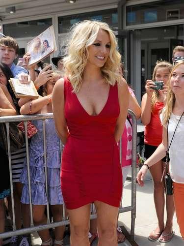 Este vestido rojo aunado a los altísimos tacones Louboutin fuero parte de lo más \