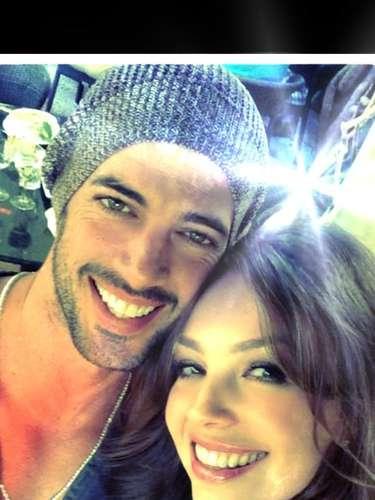 La foto que causó revuelo es esta que subió Lili de la actriz y el actor Cubano. \