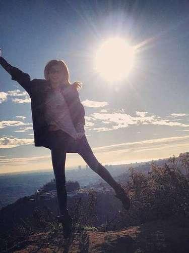 Miranda Kerr salió a mostrarnos la primera mañana soelada del año.