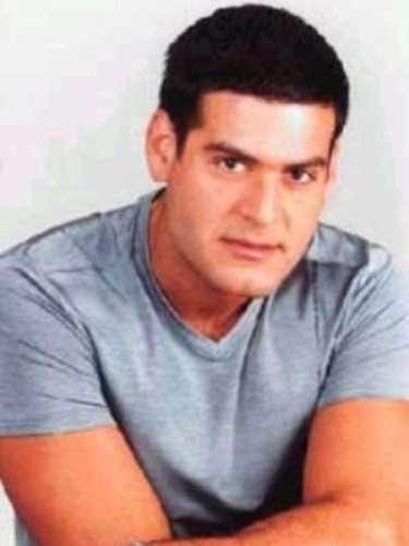 Este actor y animador venezolano, nacido un 10 de enero de un año que no sabemos en la Parroquia Candelaria de Caracas ha realizado infinitas telenovelas. Entre ellas están: \