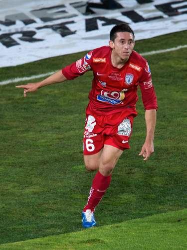 Héctor Herrera sentenció la cuenta con un toque de zurda por encima del portero (Villalpando), al estilo de Messi.