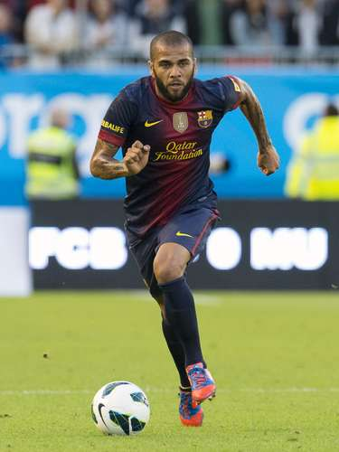 Dani Alves (right/left back - Brazil)