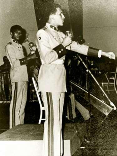 El actual mandatario venezolano, Hugo Chávez, dando un discurso en la Academia Militar en Caracas, Venezuela en 1973.