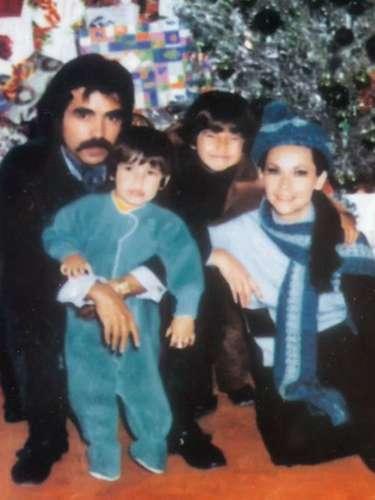 Raúl Araiza Cadena estuvo casado con la actriz Norma Herrera, con quien proceó a Raúl y Armando.