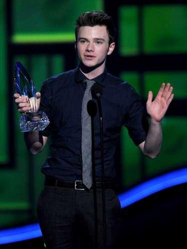 ... E inmediatamente, Chris Colfer fue votado como el Actor de Comedia en TV favorito por Glee, quien se mostró sumamente emocionado.