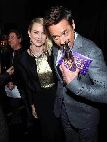 Naomi Watts y Robert Downey Jr. se unieron para festejar la premicación, y entre ellos todo fue risas y relajo.