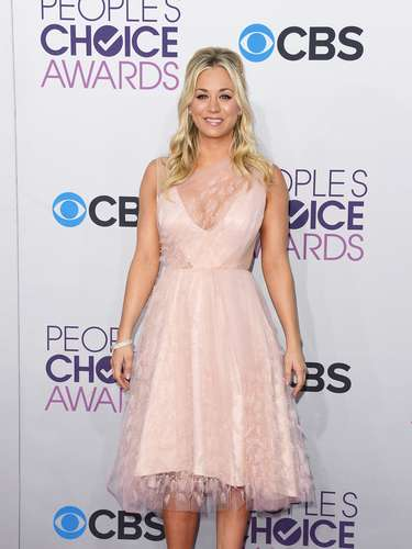 Host and star of The Big Bang Theory Kaley Cuoco wore a lace number that completely on trend.