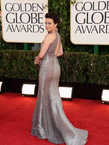 Carla Gugino mostrando sus sexys y bien torneadas curvas. ¡Guapísima!