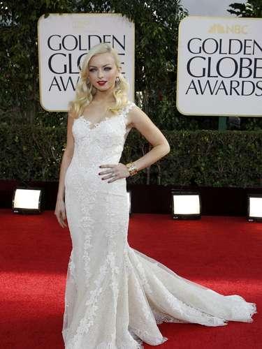 Miss Golden Globe, Francesca Eastwood está lista para entregar las estatuillas doradas a los ganadores de la noche
