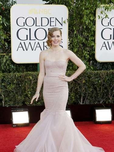 La nominada Amy Adams tal parece que no deja de lado su personaje en 'enchanted' puesto que lleva un vestido salido de un cuento de hadas