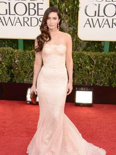 Megan Fox luce espectacular en la alfombra roja de los Golden Globes a tan sólo meses de convertirse en madre
