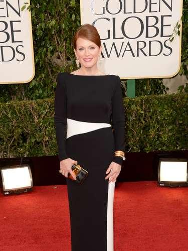 MEJOR: Julianne Moore fue una de las mejores vestidos en los Globos de Oro.