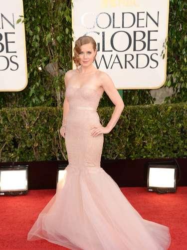 MEJOR: Amy Adams lució un vestido de Marchesa en su mismo tono de piel. El atuendo daba la ilusión de que no traia nada puesto.