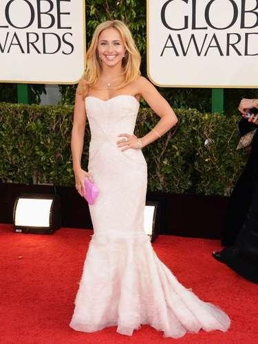 MEJOR: Hayden Panattiere de la serie Nashville impactó para bien con su vestido en la alfombra roja.