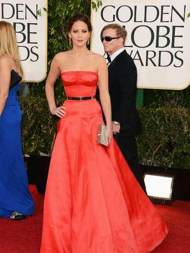 PEOR: Jennifer Lawrence no fue de nuestro agrado ya que la parte del busto no fue muy favorecedor.