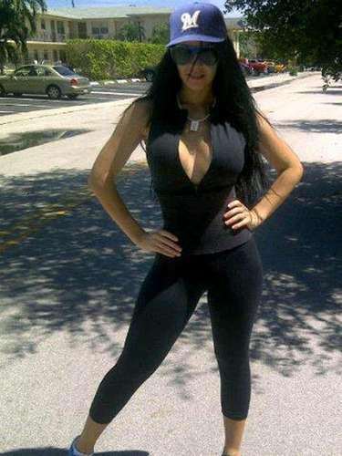 Diosa Canales se casaría desnuda con el beisbolista Kelvim Escobar, pero rompieron su compromiso en febrero de 2013.