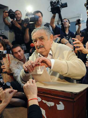 Mujica's 'fortune' when he took charge as president in 2010 was 1800 dollars which was the value of his 1987 Volkswagen Beetle.