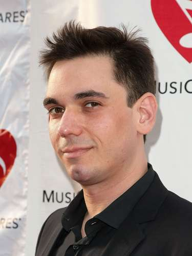 Adam Goldstein, mjor conocido como DJ AM fue encontrado muerto en su departamento tras una sobredosis accidental. Tenía 36 años.